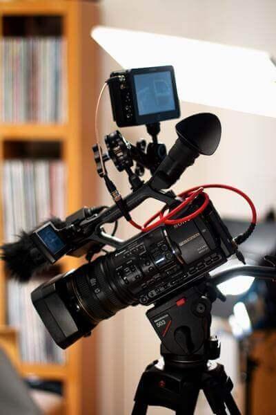 Meine erste ernsthafte Kamera, eine Sony NX5e mit dem Atomos Samurai als 422-Aufzeichnungsgerät. Eine gute Kombi.
