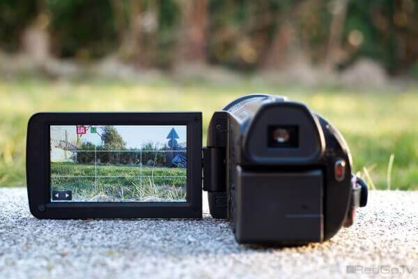 Kleine Kamera, tolles Display bei der X900M.