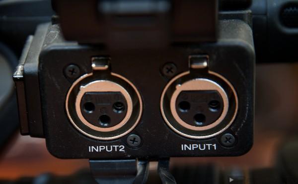 Zu einer guten Kamera gehören zwei Mikrofonanschlüsse