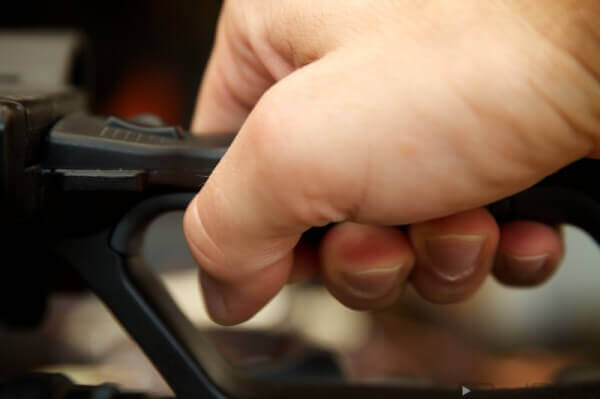 Vorteil der Handkameras für Videojournalisten ist der praktische Handgriff.