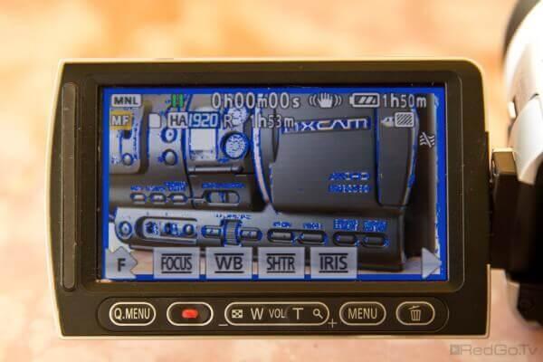 Schon kleine Camcorder wie die SD707 bieten das nützliche Peaking als Fokussierhilfe an.