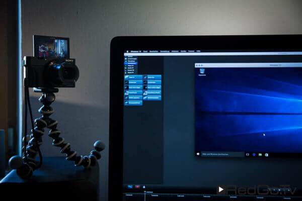 Der Aufbau: Die kleine Sony-Kamera liefert den Talking Head.