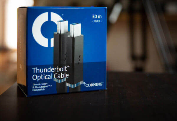 Corning Thunderbolt Kabel