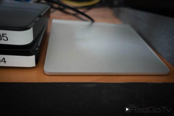 Das Apple Trackpad - eher ein Backup, falls die Maus mal wieder nicht mag.